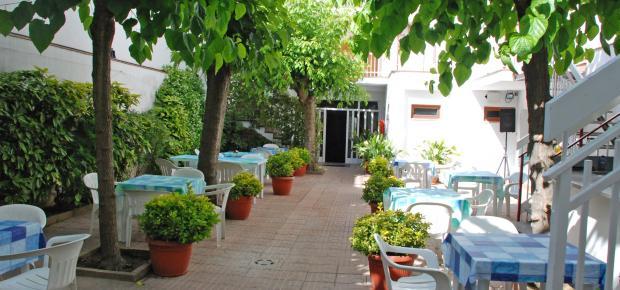 Jugendreisen Hotel Armonia In Lloret De Mar Fun Reisen